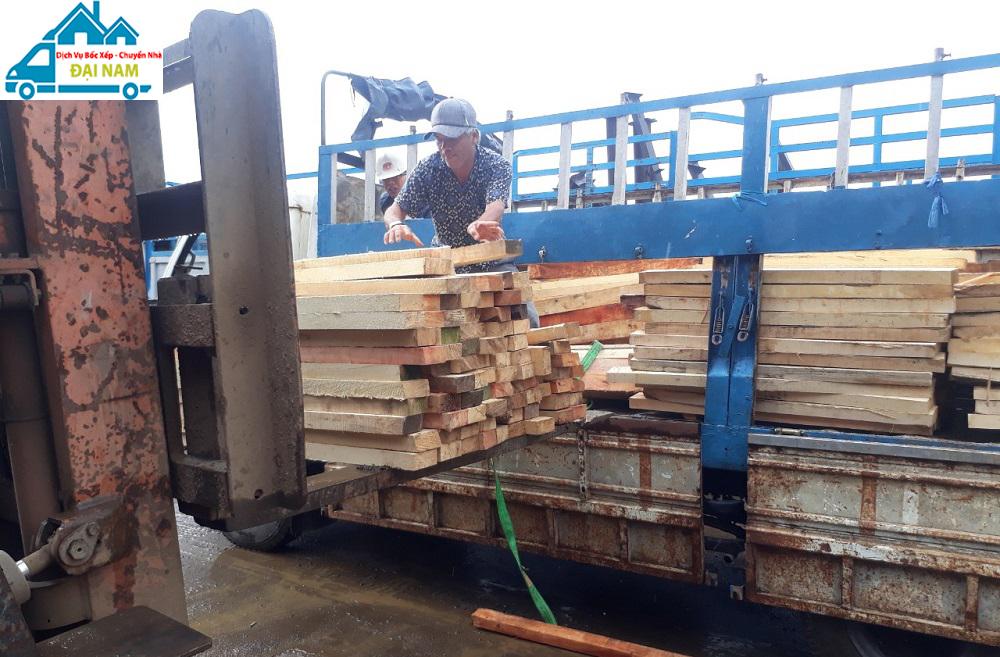 Bốc xếp gỗ